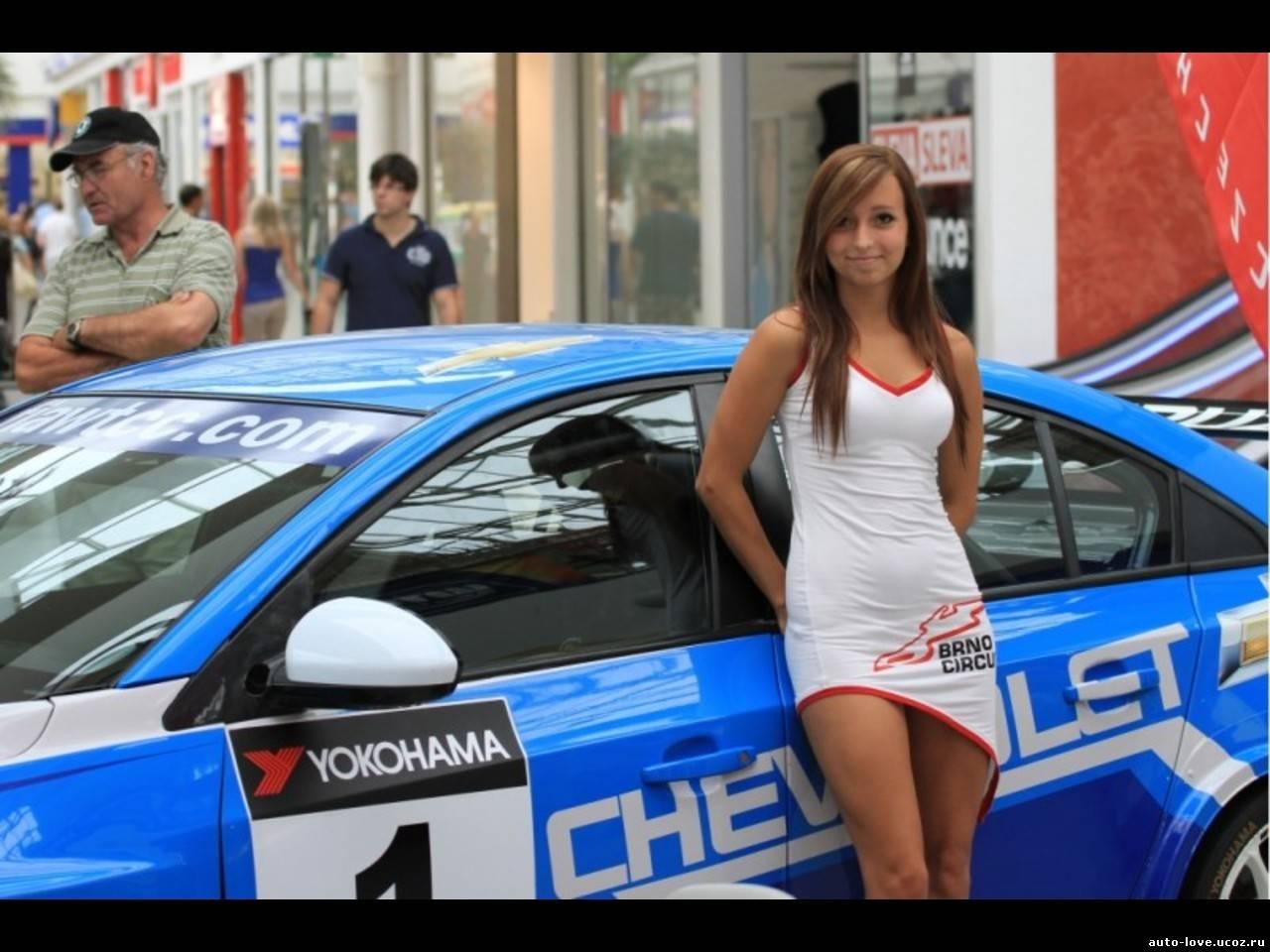 Чешскую девушку в машине 3 фотография